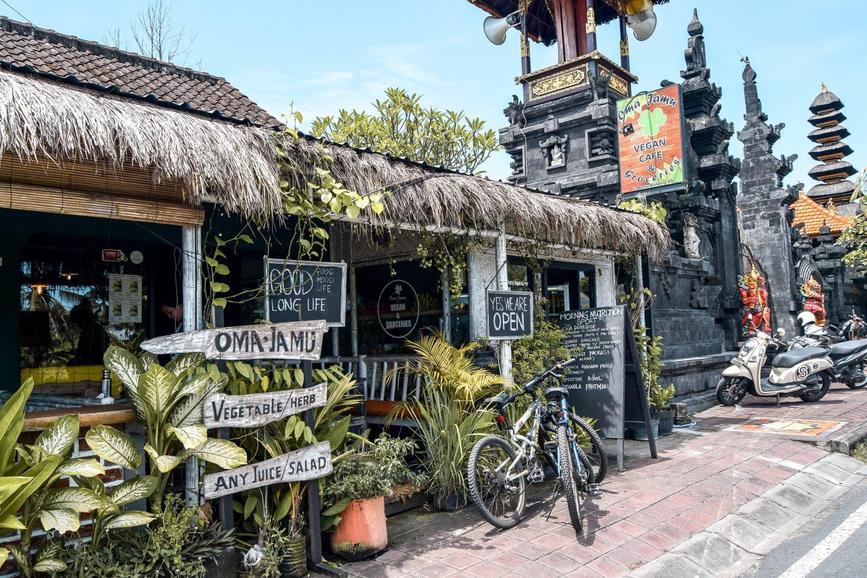 Wanderers & Warriors - Oma Jamu Vegan Cafe - The Best Warungs In Canggu - Where To Eat Local