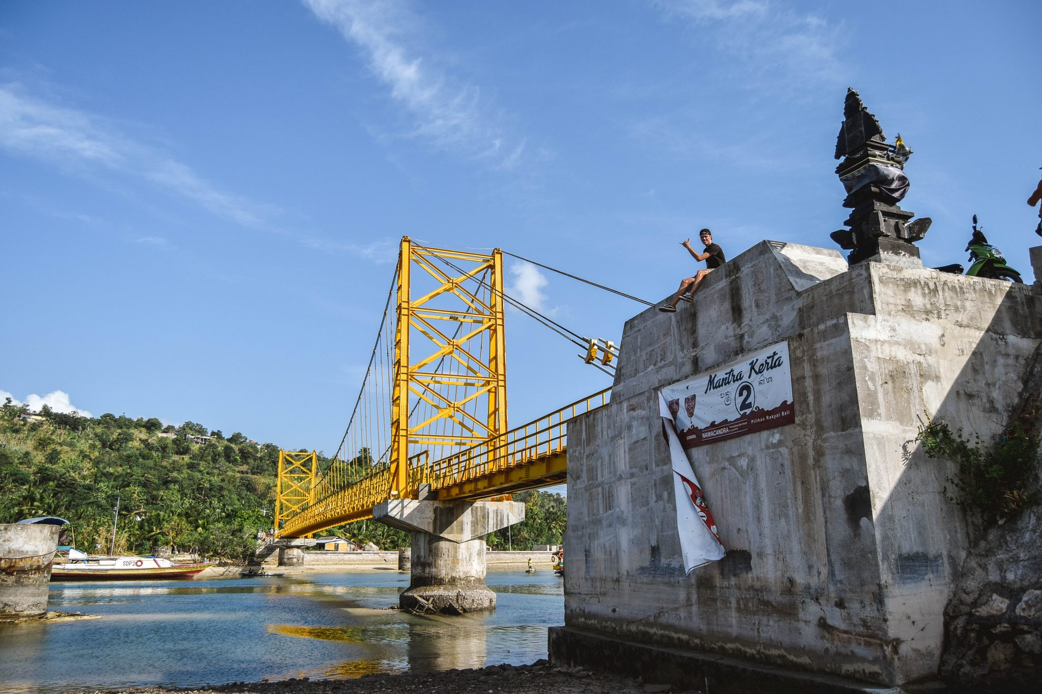 Yellow Bridge Nusa Lembongan To Ceningan Yellow Bridge Lembongan Bali Things To Do in Nusa Lembongan - Nusa Islands