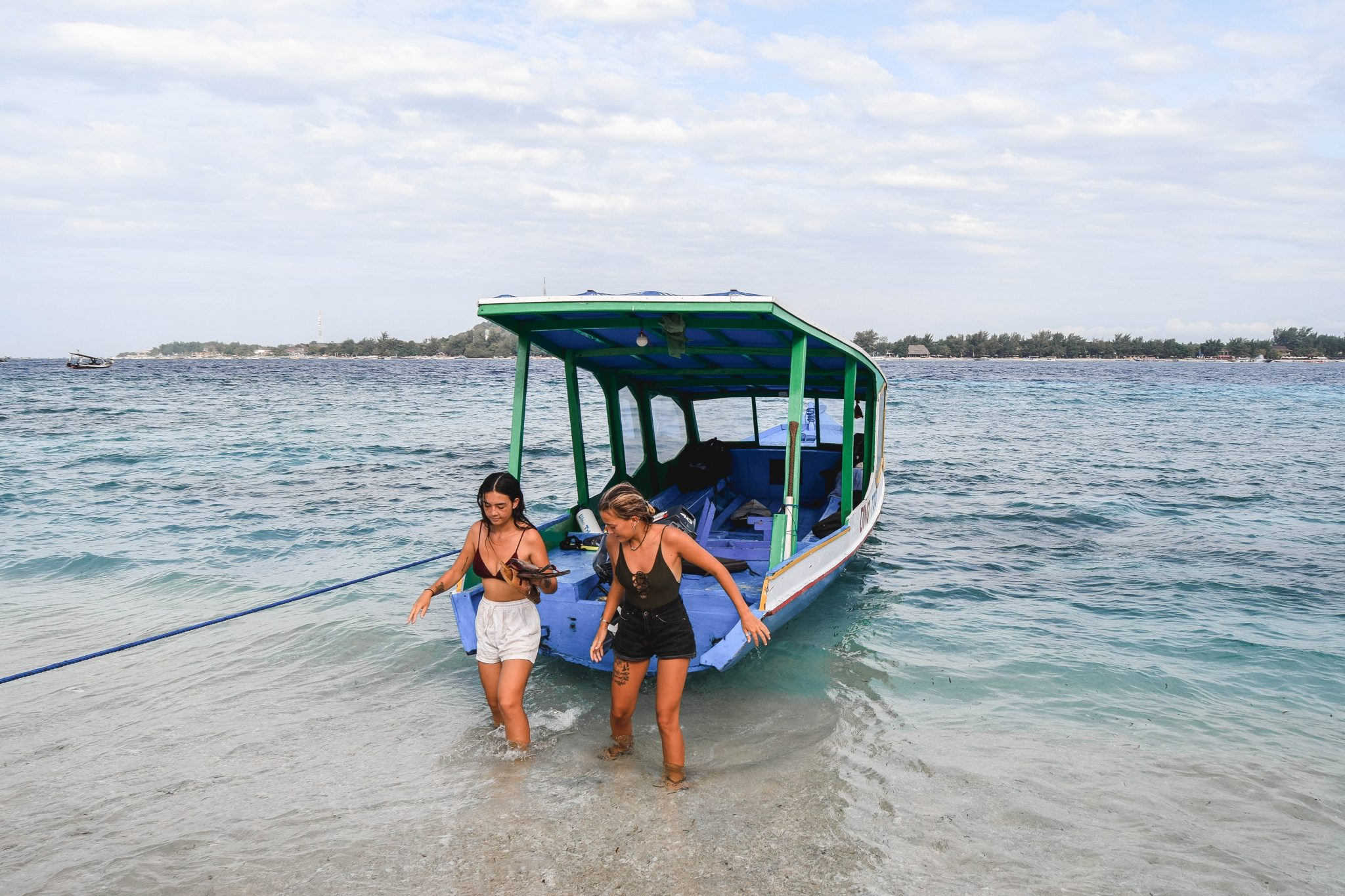 Wanderers & Warriors - Charlie & Lauren UK Travel Couple - Gili Trawangan Snorkeling Tour - Snorkeling Gili Trawangan