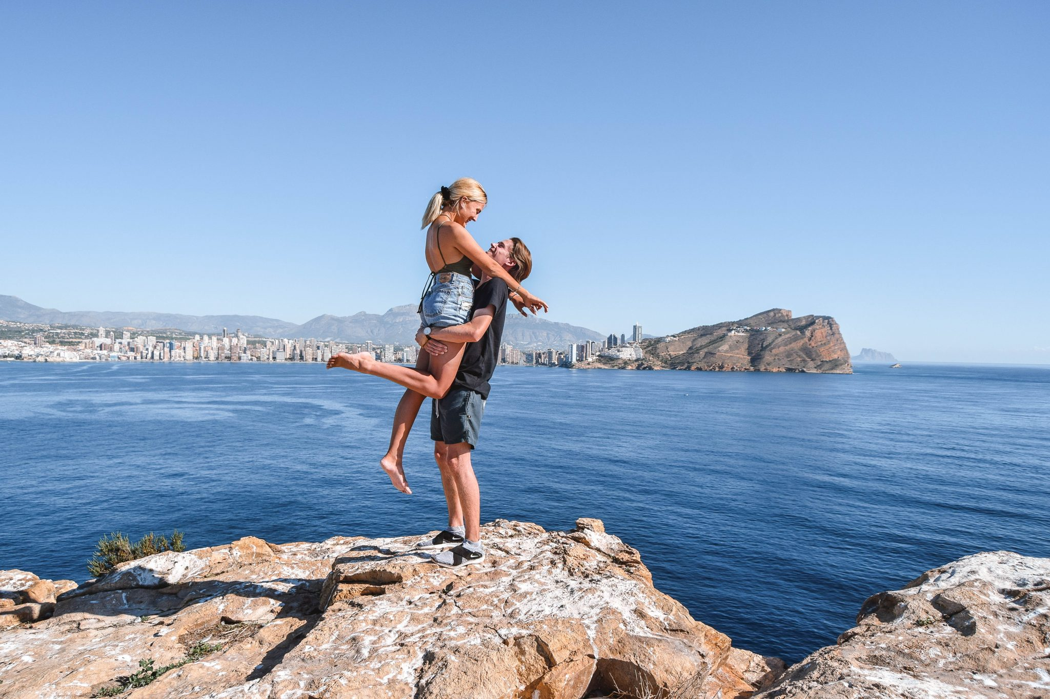 Wanderers & Warriors - Charlie & Lauren UK Travel Couple - Things To Do In Benidorm Island Viewpoint Benidorm