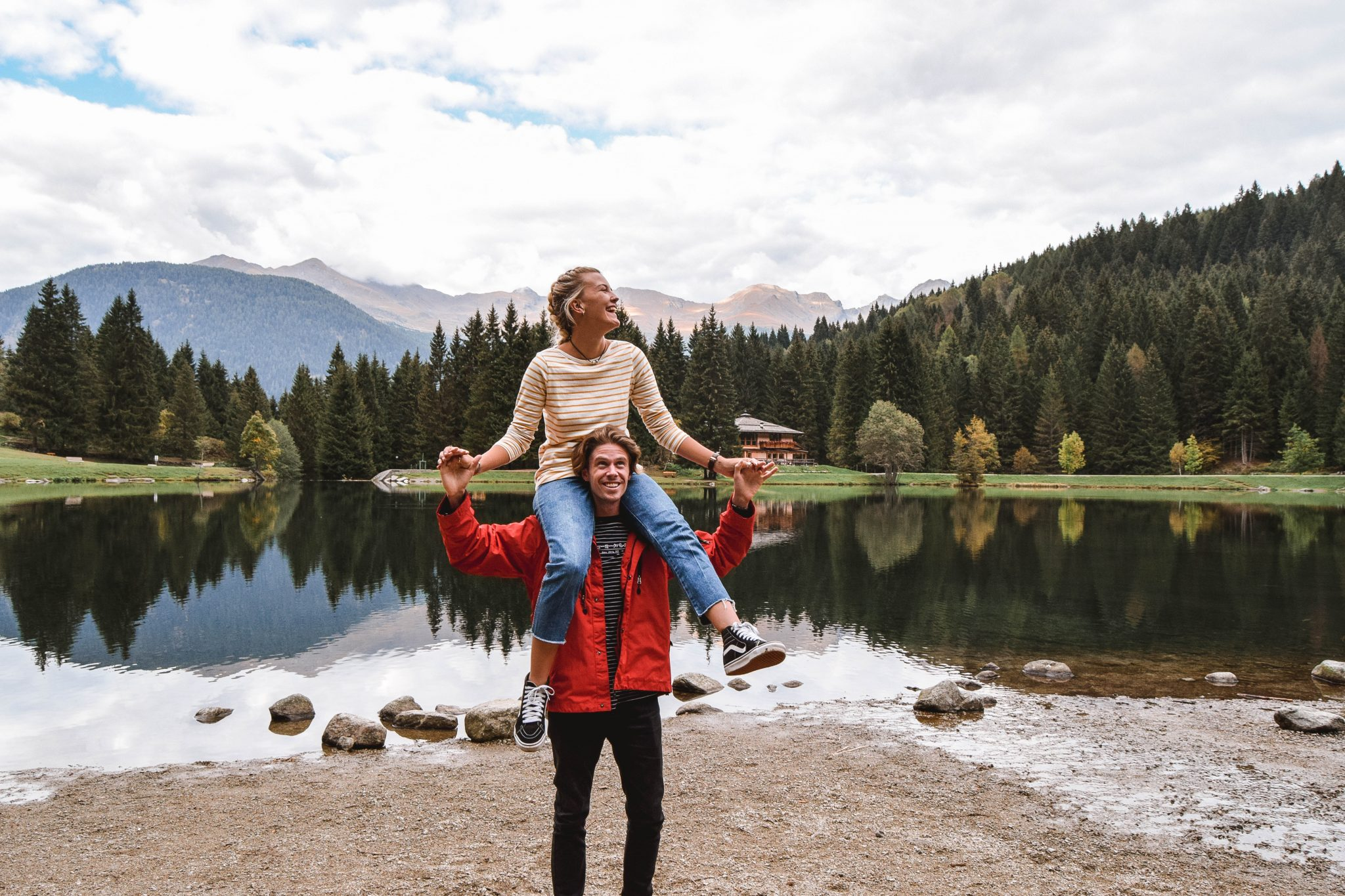 Wanderers & Warriors - Charlie & Lauren UK Travel Couple - Things To Do In Val Di Sole Trentino Lago Dei Caprioli Val Di Sole