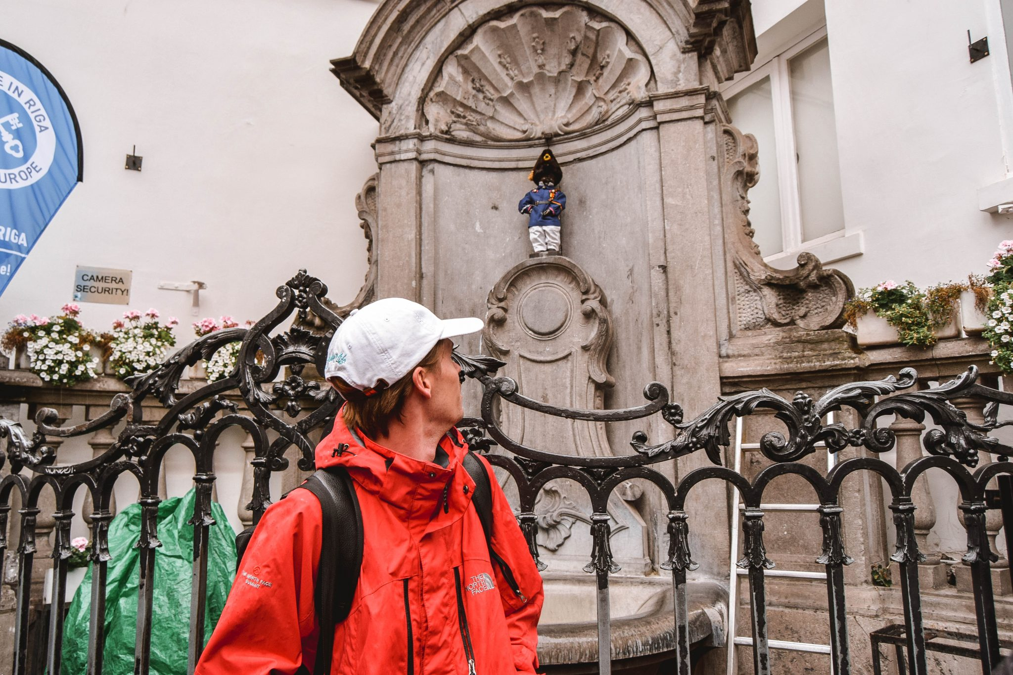 Wanderers & Warriors - Charlie & Lauren UK Travel Couple - Things To Do In Brussels In A Weekend - Manneken Pis Brussels