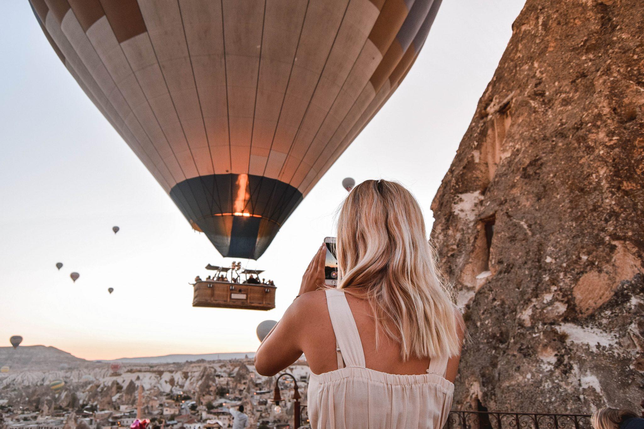 Wanderers & Warriors - Charlie & Lauren UK Travel Couple - Things To Do In Cappadocia Hot Air Ballon Tour Cappadocia