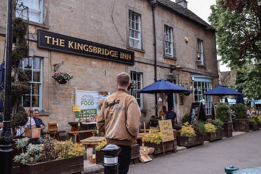 The Kingsbridge Inn Pub Bourton On The Water Things To Do In Bourton On The Water